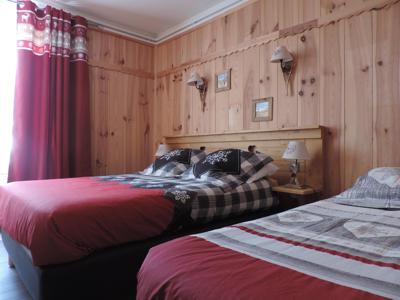 Chambre triple h tel le pas de l 39 ours for Pacemaker triple chambre